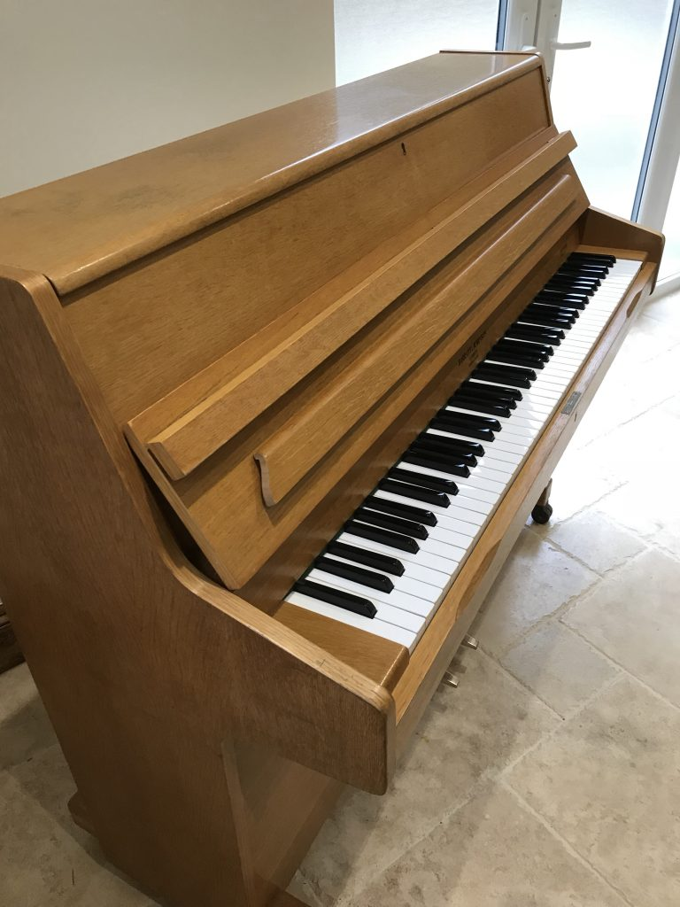 upright,piano,sale,oak,dorset