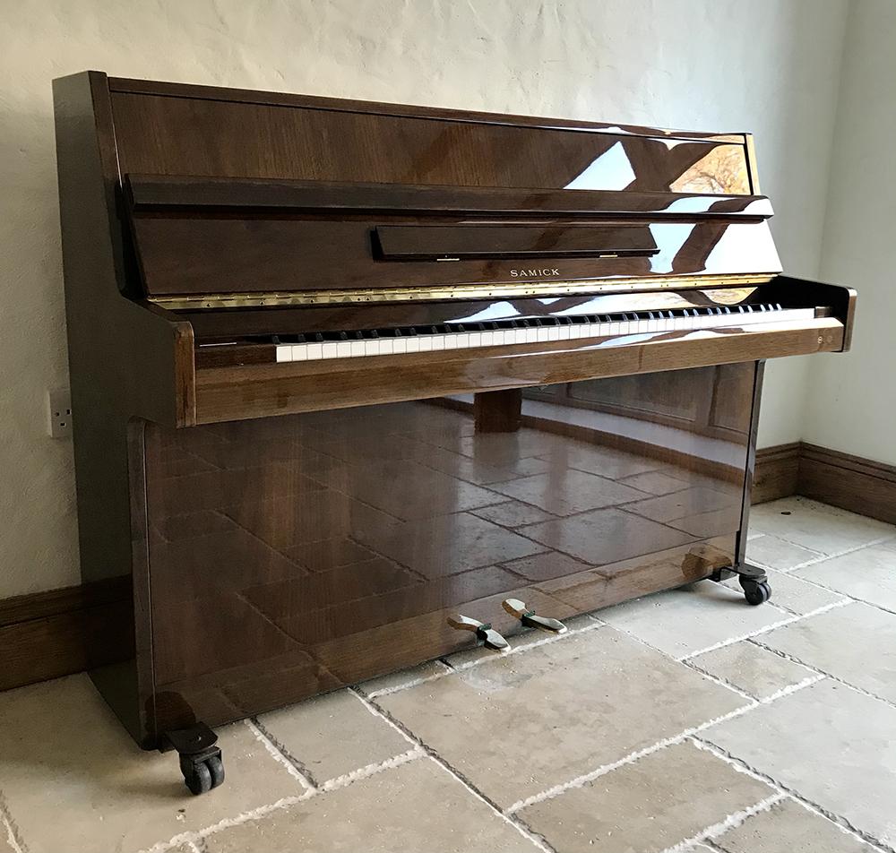 samick,used,upright,piano,showroom,dorset