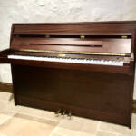 kemble,london,piano,used,restored,upright,walnut,yamaha,dorset