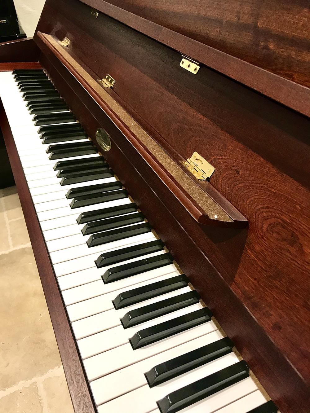 Kemble-London-Yamaha-Piano-Dorset-3.jpg